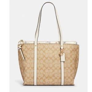 COACH MAY TOTE IN SIGNATURE CANVAS